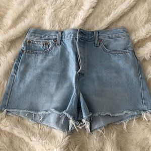Levi's high rise wedgie short